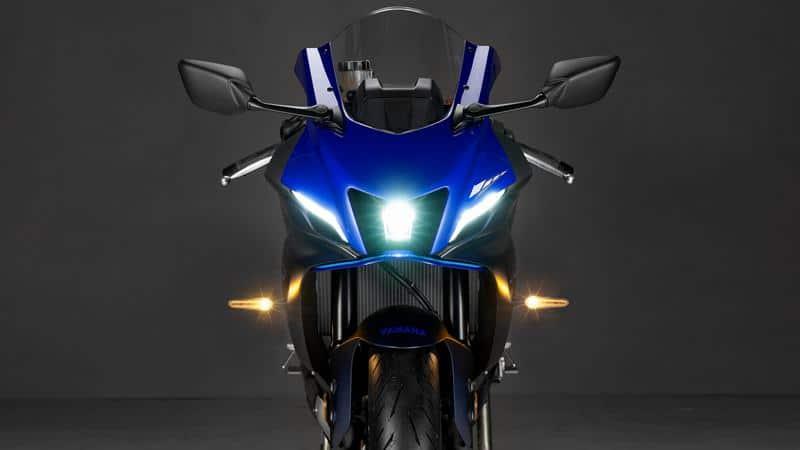Yamaha YZF-R7 2021 ด้านหน้า