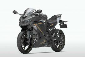 2022-kawasaki-zx-25r---graphene-steel-gray---front-left-angle-view