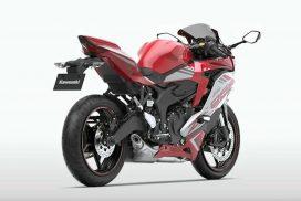 2022-kawasaki-zx-25r---passion-red-right-rear-angle-view